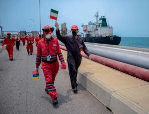 Un juez de EEUU autoriza a Trump que incaute la gasolina iraní que va a Venezuela