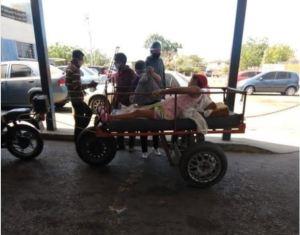 ¡Hecho en socialismo! Usaron una carreta improvisada para llevar a embarazada a un hospital de Zulia (Video)
