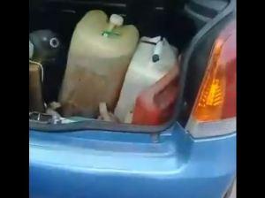 """¡Abre la maleta!"": PoliVargas agarró a dos GNB con tres pimpinas repletas de gasolina (VIDEO)"