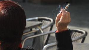 Covid-19: Los fumadores tienen 80% más de probabilidades de ser hospitalizados que los no fumadores
