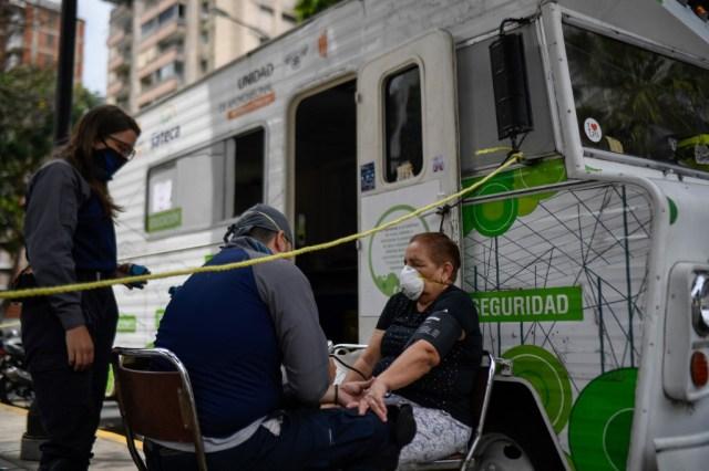 """Miembros del grupo paramédico de la ONG """"Ángeles de las vias"""""""
