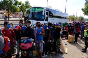 Primeros 300 venezolanos salieron de campamento colombiano para retornar por la frontera