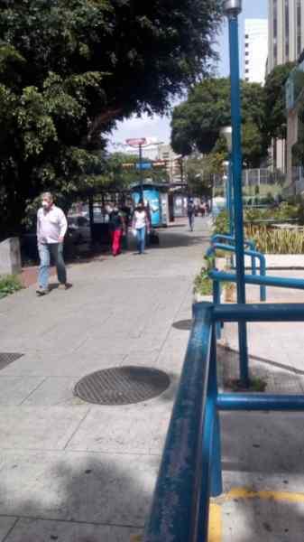 Así vive Caracas la cuarentena radical (fotos) 2
