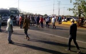 Trancan avenida en Nueva Esparta para protestar por falta de gasolina #3Jun (Fotos)