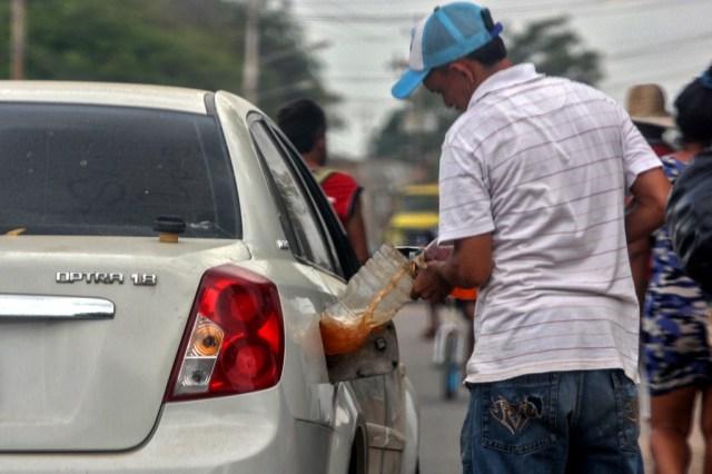 Venezuela agota sus reservas de gasolina, y diésel viene en camino desde España