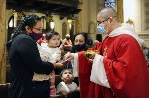 Iglesias en New York retoman caminos para recuperarse y atender feligreses