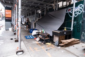 En New York está creciendo el campamento para personas sin hogar