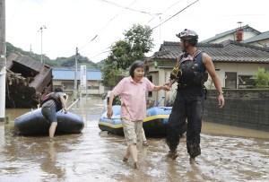 Japón evacua cientos de miles de personas por fuertes lluvias