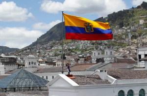 Ecuador solicita enmendar términos de deuda externa