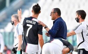 El polémico gesto de Cristiano Ronaldo a Sarri en pleno juego de la Juventus (Video)
