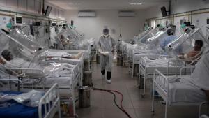 El coronavirus sigue cobrando vidas en Brasil que ya registra más de 155 mil muertes