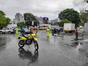 EN FOTOS: Vías en Caracas se encuentran colapsadas por intensas lluvias #7Jul