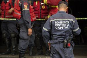 """Bomberos de Caracas alertan sobre más casos de Covid-19: """"Solo contamos con guantes y tapabocas a duras penas"""""""