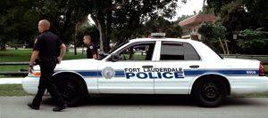 Policía de Fort Lauderdale investigan a sospechosos distribuidores de droga en la zona