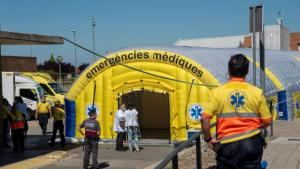 Cataluña confina a 200.000 personas por coronavirus