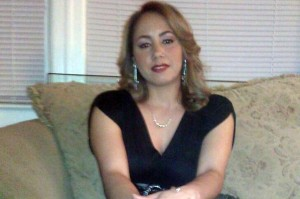 Desquiciado apuñaló a su novia hasta la muerte enfrente de su hija en Queens