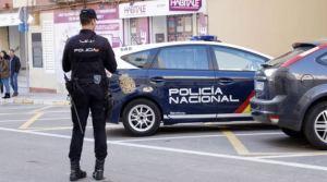 Horror en España: Fue violada por tres compañeros de clases en un estacionamiento