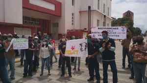 """Empleados de Envases Venezolanos exigieron """"reenganche"""" ante la Inspectoría de Trabajo en Maracay (Imágenes)"""