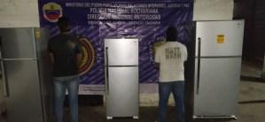 """Par de joyitas robaban electrodomésticos de un galpón de """"Mi Casa Bien Equipada"""" y las revendían en San Cristóbal"""