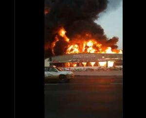 EN VIDEOS: Incendio consume mercado en área industrial de Ajmán, en Emiratos Árabe Unidos