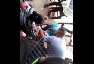 En plena crisis por Covid-19, una enfermera auxilió su parto en una calle de Maracaibo (Video)