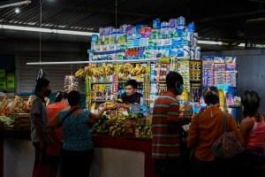 En septiembre una familia necesitó 180 salarios mínimos para alimentarse