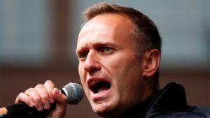 """Opositor ruso Navalny acusa a Putin de estar """"detrás"""" de su envenenamiento"""