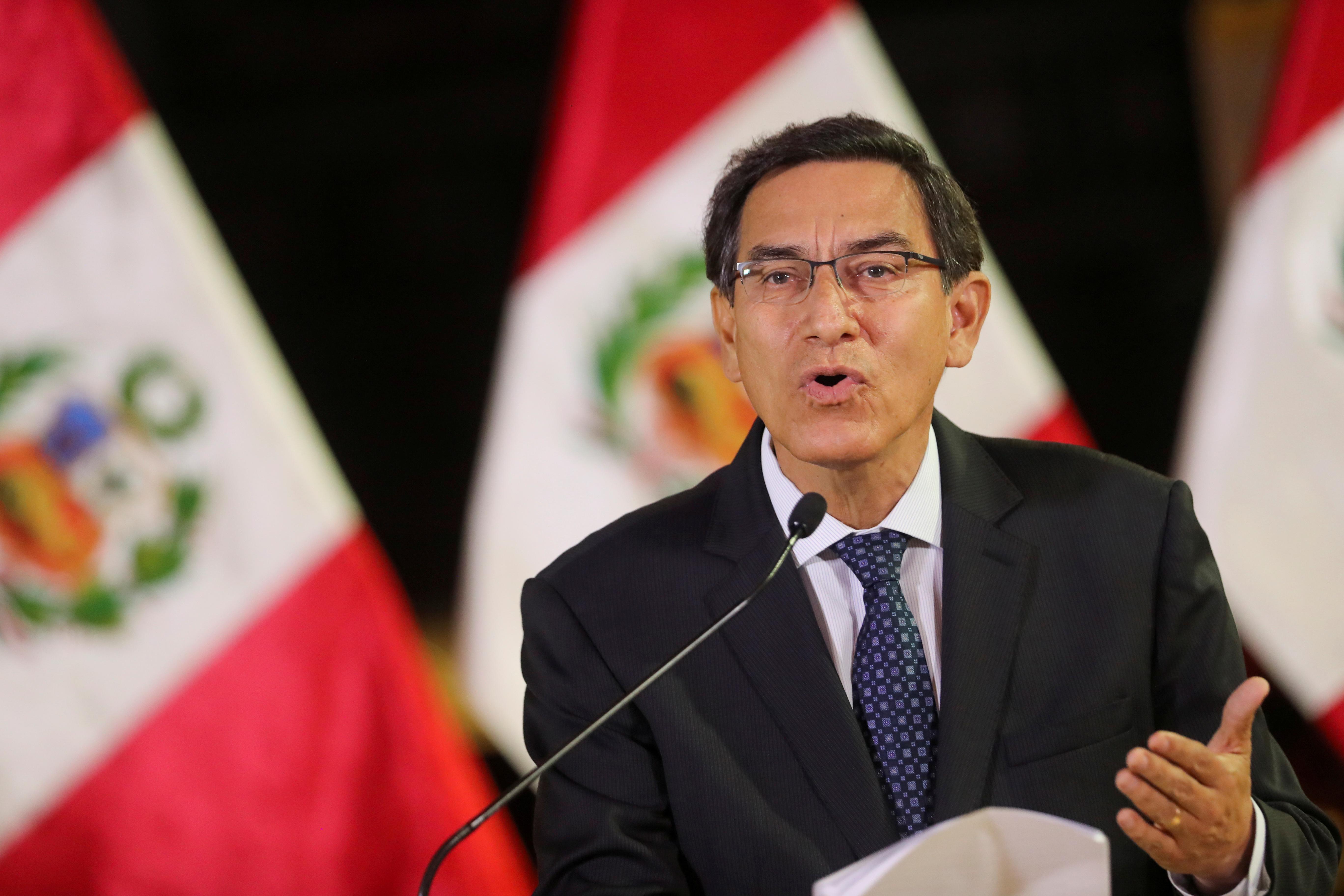 Justicia de Perú prohíbe salir del país al expresidente Vizcarra