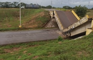 """""""El régimen se robó todo"""", denunció el diputado Quiñónez tras caída de puente en Cantaura (VIDEO)"""