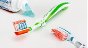 Intervenido de urgencia un hombre que se tragó un cepillo de dientes mientras lo utilizaba en India