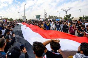 Miles de iraquíes salen a la calle por el primer aniversario de la revolución
