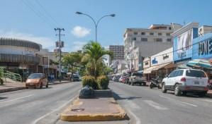 DESVALIJADA: Margariteño mostró el estado de la icónica avenida Santiago Mariño de Porlamar (Video)
