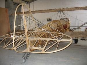 Este piloto volará en un biplano de madera sobre los Andes (FOTOS)
