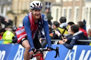 Ciclista estadounidense fue suspendido por su equipo tras comentarios a favor de Trump