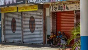Consideran indispensable un consenso político e inversión externa para superar la debacle económica en Venezuela