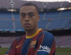 En Video: Director venezolano Henry Querales dejó su huella en la presentación de la nueva joya del Barcelona FC