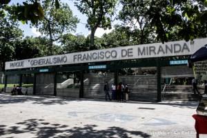 """""""Los solidarios"""" precios en dólares para entrar al terrario del Parque del Este"""