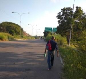 Trabajador de Sidor inició marcha de 100 kilómetros en protesta debido a la crisis salarial de la siderúrgica