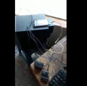 """¡Ingenio ante la crisis! En Aragua activaron cargadores e internet con la batería de un carro y """"agua con sal"""" (VIDEO)"""