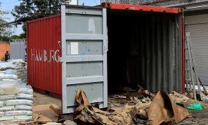 Hallan siete cuerpos descompuestos dentro de un container lleno de fertilizantes en Paraguay