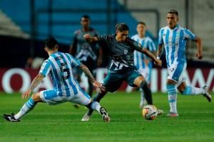 Estudiantes de Mérida luchó con todo pero no pudo con Racing y jugará la Copa Sudamericana