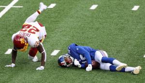 La dolorosa lesión en el cuello de un jugador de la NFL al impactar contra un rival (VIDEO)