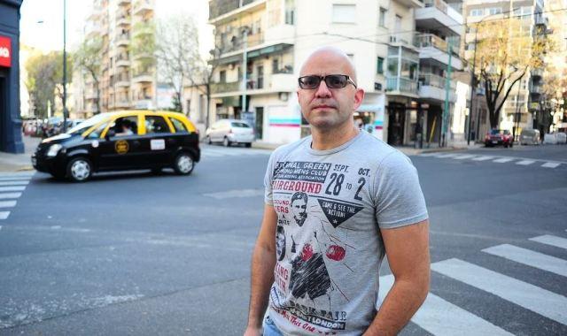 Ricardo piensa irse a Estados Unidos o a España, porque no confía en la situación de los países latinoamericanos. | Foto Germán García Adrasti