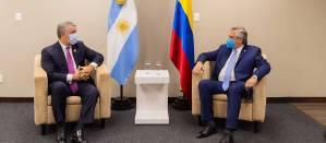 """Exministro argentino despedido por """"vacunación VIP"""" podría ser embajador en Colombia"""