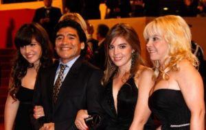 La complicada gran familia Maradona: Tres mujeres, cinco hijos y demasiados reproches