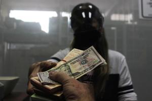 Estos son los requisitos para abrir una cuenta en dólares en Venezuela