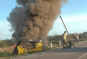Tragedia en Coro: Ocho muertos tras incendio de una buseta en cortejo fúnebre