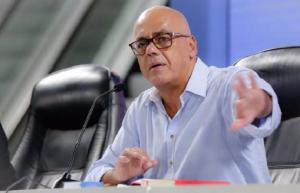 """Jorge Rodríguez anuncia que en su nueva novela presentará pruebas de una supuesta """"trama de corrupción"""""""