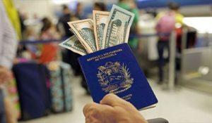 Capturan a mujer que engañaba a las personas con pasaportes falsos