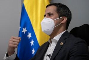 Guaidó acordó esfuerzos con el canciller de Canadá para salir de la crisis en Venezuela